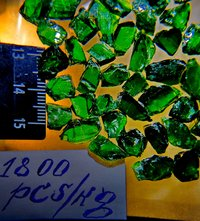 Chrome diopside rough HQ 1800
