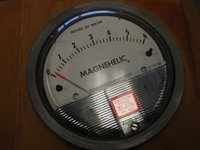 Dwyer 2006D Magnehelic Differential Pressure Gauge