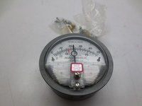 Dwyer 2000-0AV Magnehelic Differential Pressure Gauge