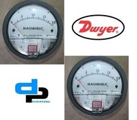 Dwyer Magnehelic Differential Pressure Gauge Model 2000-2KPA