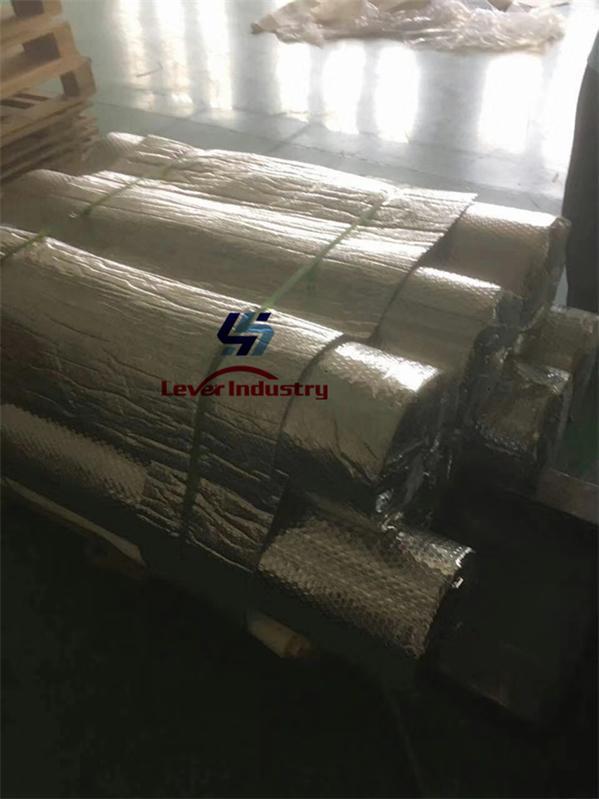 Vacuum bagging film for laminated glass