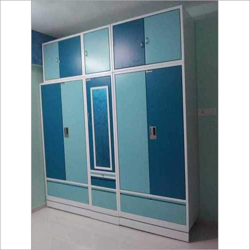 Customized Wall To Wall Wardrobe