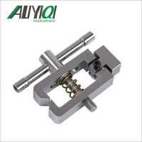 AJJ-025 Pointed terminal clamp