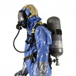 BREATHING APPARATUS SET