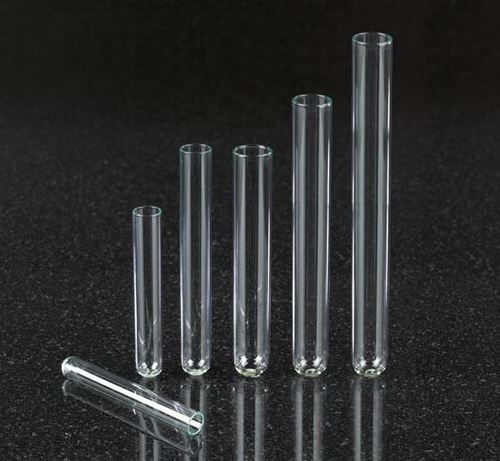 PLASTIC TEST TUBE AND GLASS TEST TUBES