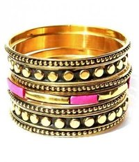 brass designed bangle set