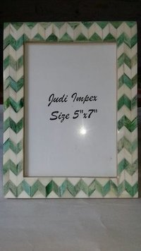 Green & white plank photo frame