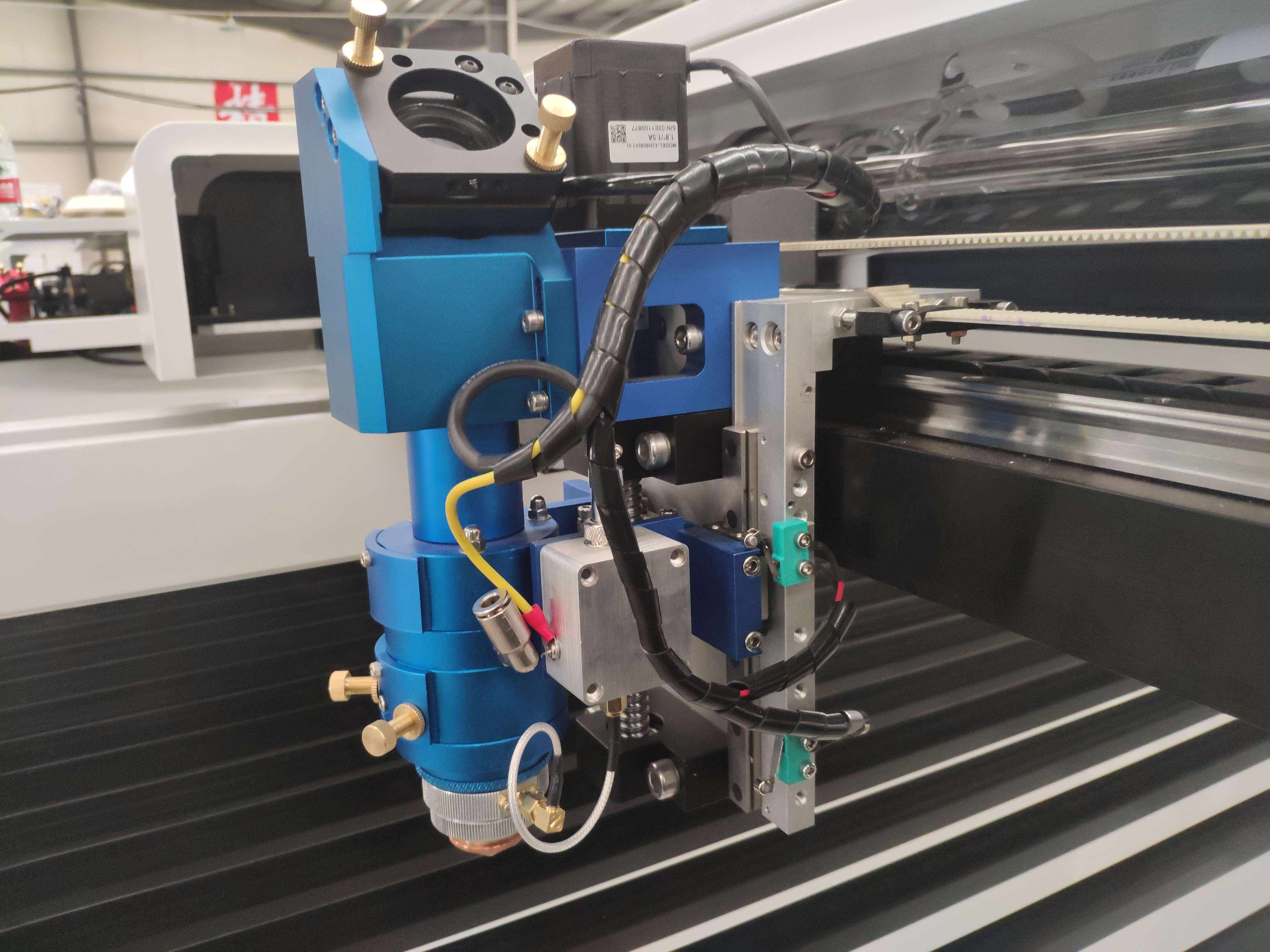 CO2 Mix Cutter Machine For Metal And Nonmetal