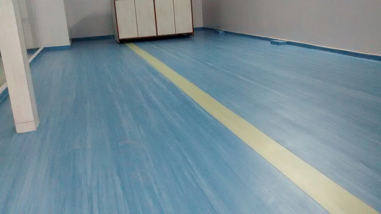 Heterogeneous Vinyl Flooring