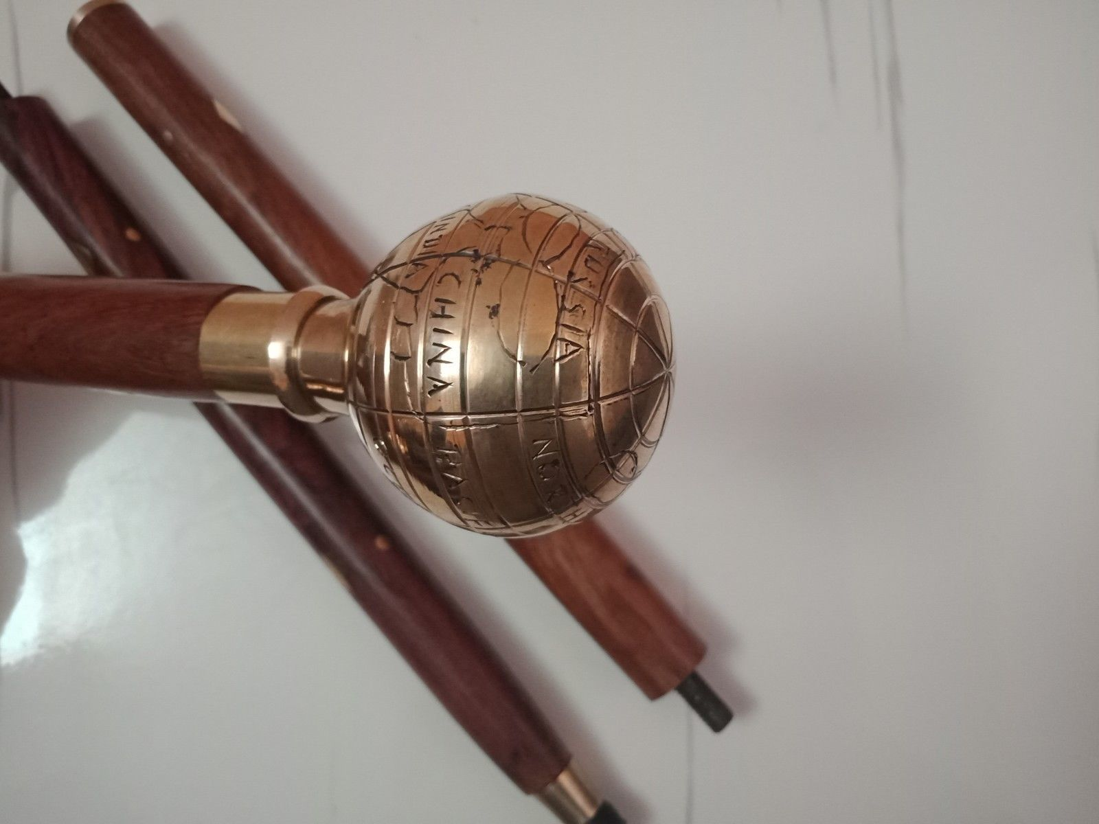 Designer-Globe-Shape-Brass-polish-Plated-Handle-Wooden-3-Fold-Walking-Stick