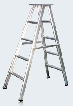 Aluminium Folding ladder with platform