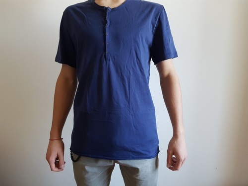 20,000 mens white and blue t shirts assorted sizes
