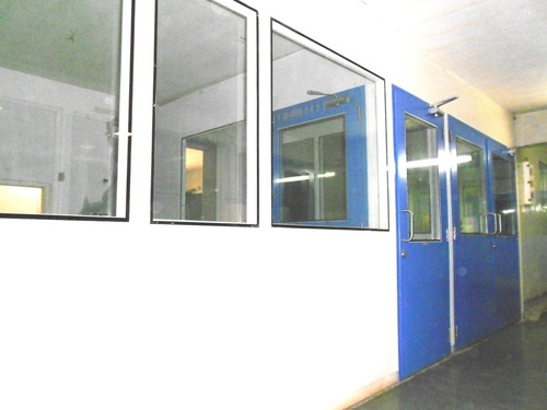 Commercial Clean Room Partition
