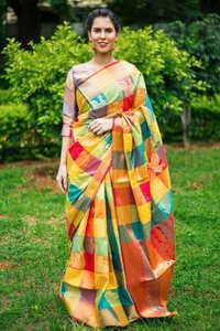 Kanchipuram silk Heavy Zari Work saree (DNHE5)