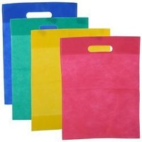 Non Woven D cut bags Semi Virgin quality