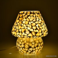 MOTHER OF PEARLS GLASS ANTIQUE DESIGN TABLE LAMP