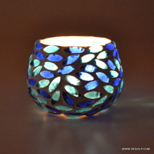 DECOR SHAPE AND DESIGN GLASS CANDLE HOLDER