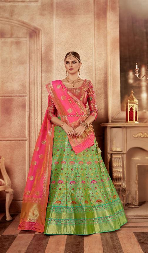 Exclusiva Wedding wear Banarasi Silk Leheneges