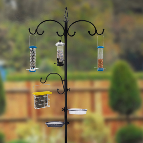 Bird Feeder Pole/ Dinning station