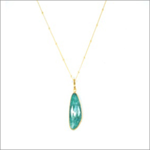 Ladies Dyed Emerald Necklace