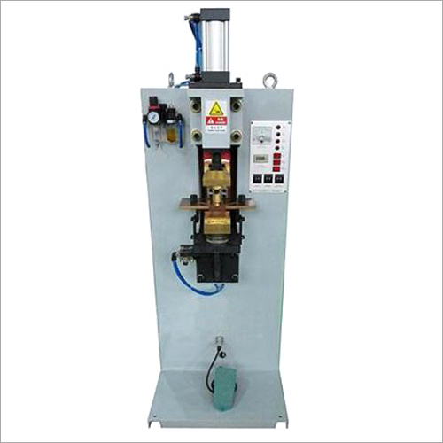 Semi Automatic 18L Square Can Single Spot Welder