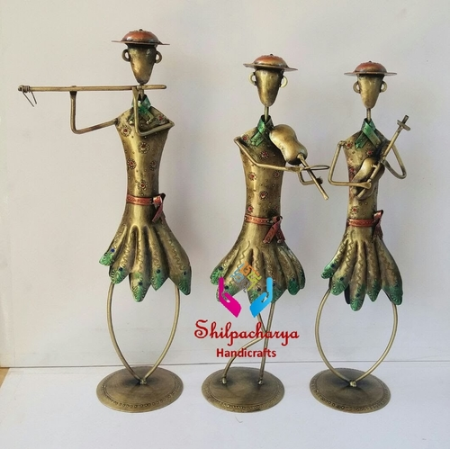 Iron Painted Dancing Men Set of 3