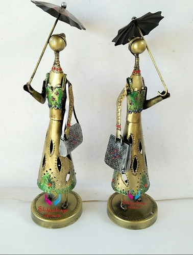 Iron Painted Umbrella Lady Set of 2