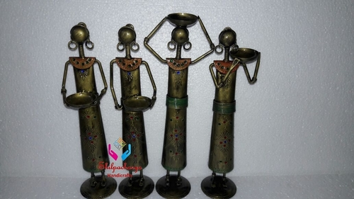Iron Painted Lady Worker Set of 4