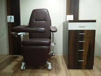 Reclinable Phlebotomy Chair
