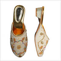 Set of Ladies Embroidered Sandals and Bag
