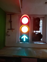 Single Source Traffic Lights