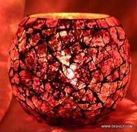 RED CREAK GLASS CANDLE HOLDER