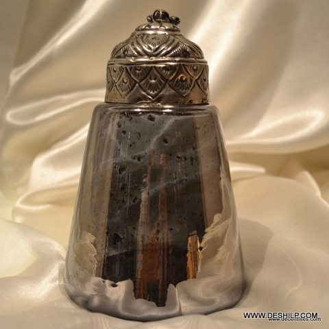 SPLENDID COLOR AND SHAPE GLASS JAR WITH METAL LID