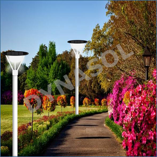 1000 Lumens Fully Automatic All-In-One LED Solar Courtyard/Landscape Light