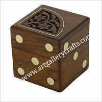 Boîte en bois de matrices