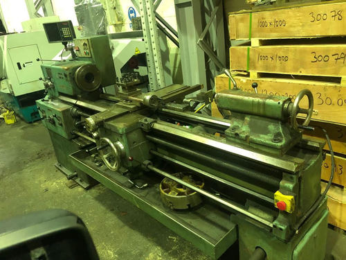 TOS SN 40 B LATHE MACHINE