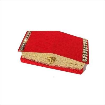 暴发户Shagun小屋现金箱子或礼物盒。