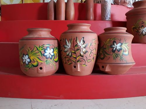 water pot with design