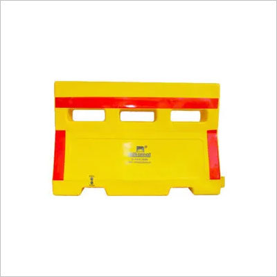 ROAD BARRICADE WATER FILLABLE    1.5 Mtr