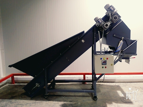 Semi-Automatic Bagging Machine