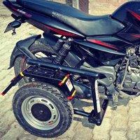 bike side wheel attachment