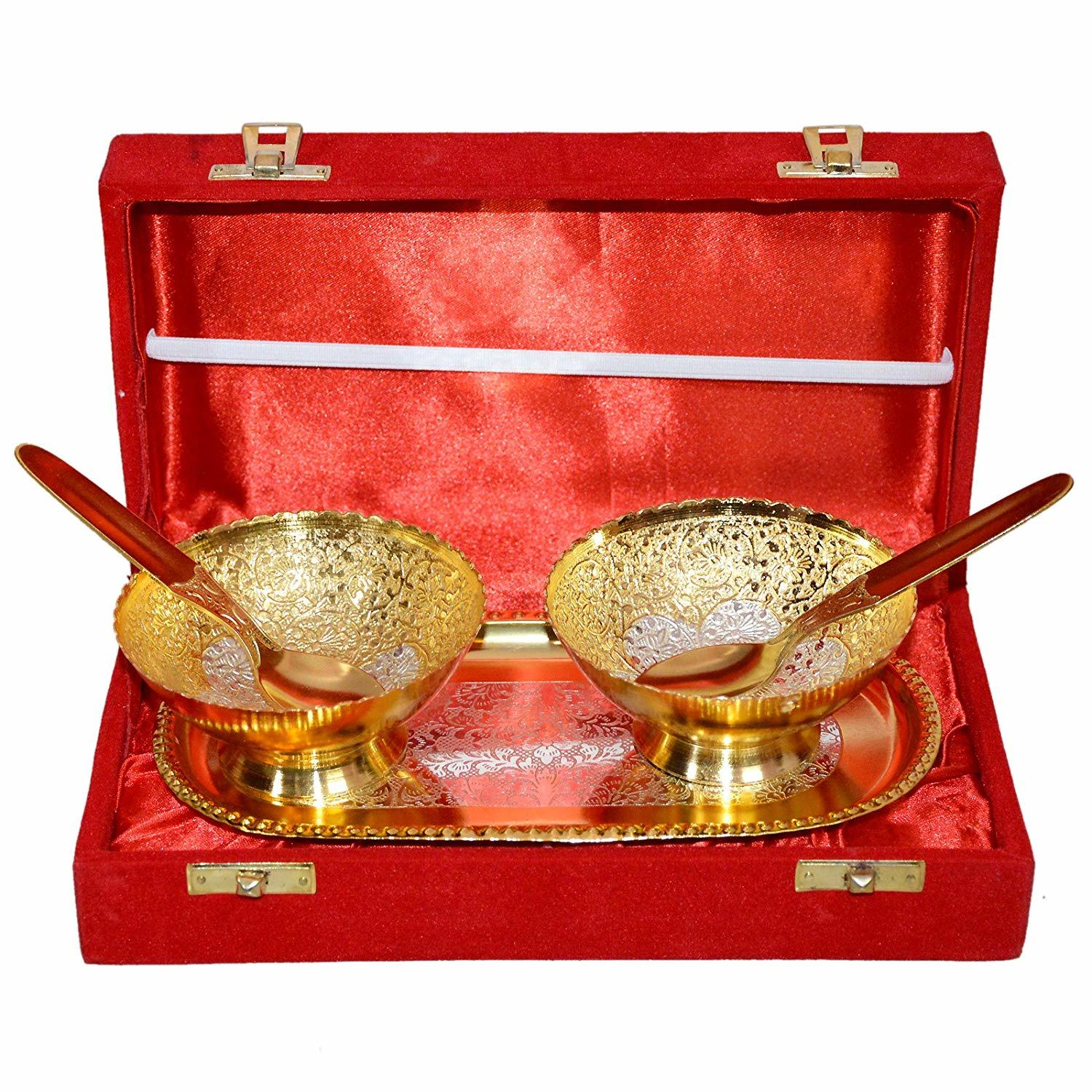 Home Decor Brass Gold & Silver Plated Fancy Gifts