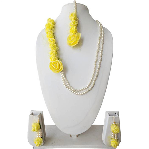Artificial Flower Fancy Necklace Set