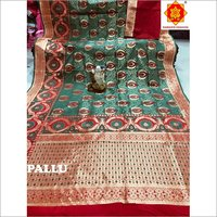 Fancy Flower Design Banarasi Saree