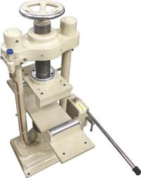 Hand Operated Flexural Testing Machine 250 Kn