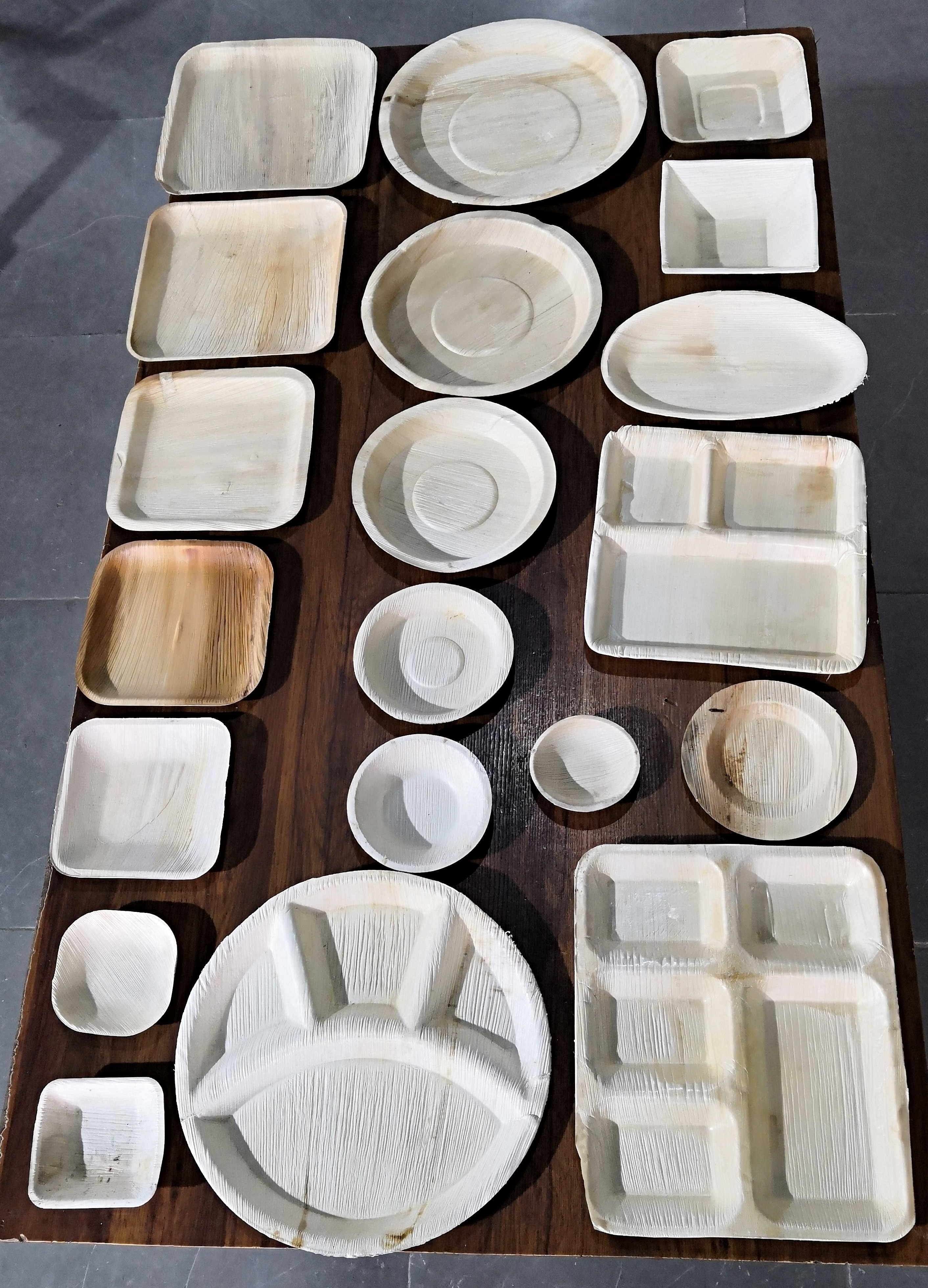 Areca 3 compartmental meal tray