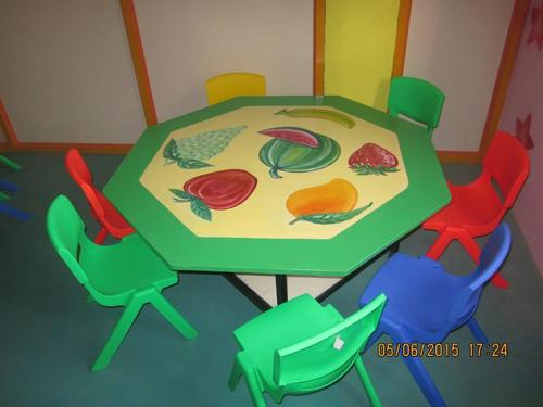 Kids Angle Table