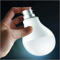 7 Watt Rechargeable LED Bulb