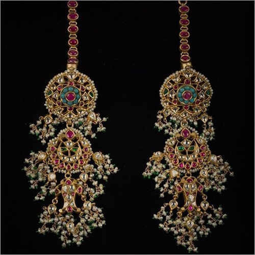 Ladies Antique Gold Kundan Earrings Set