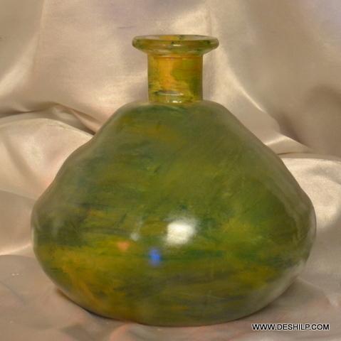 ANTIQUE SHAPE GLASS COLOR FLOWER VASE